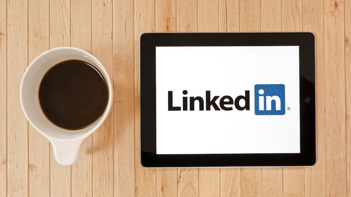4 Ways to Grow Your Business Using LinkedIn
