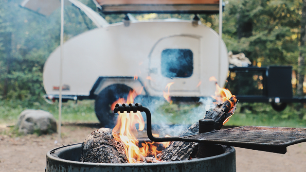 How to Choose Between an RV and a Camper