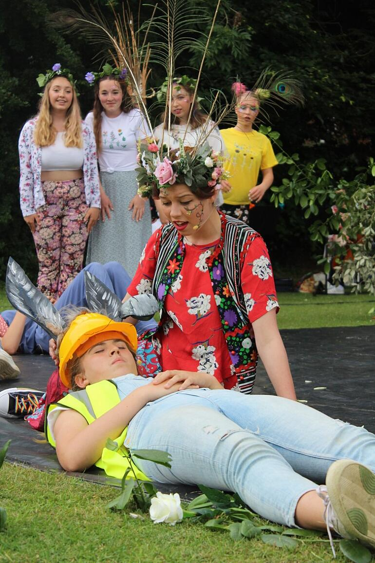 Magical outdoor performances from Years 10 and 12