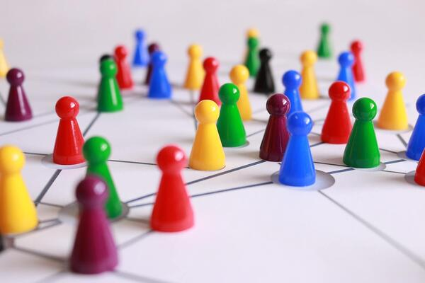 How to Close the Security Divide with the Right Team Structure