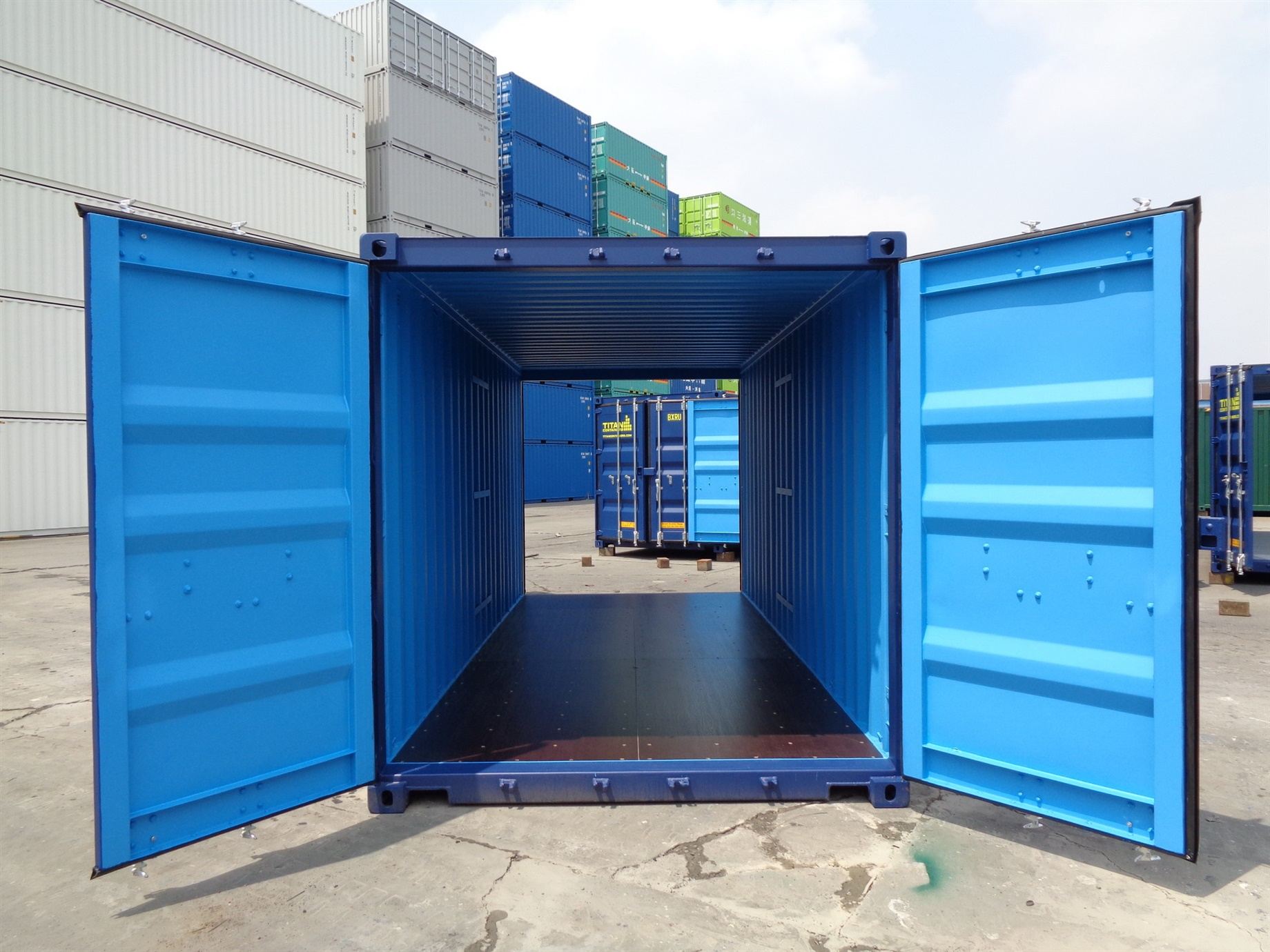 Container with doors on each end