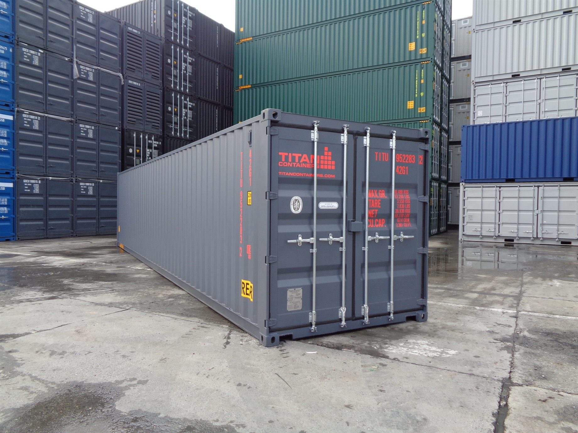 Storage Container with doors on each end 40 grey red outside