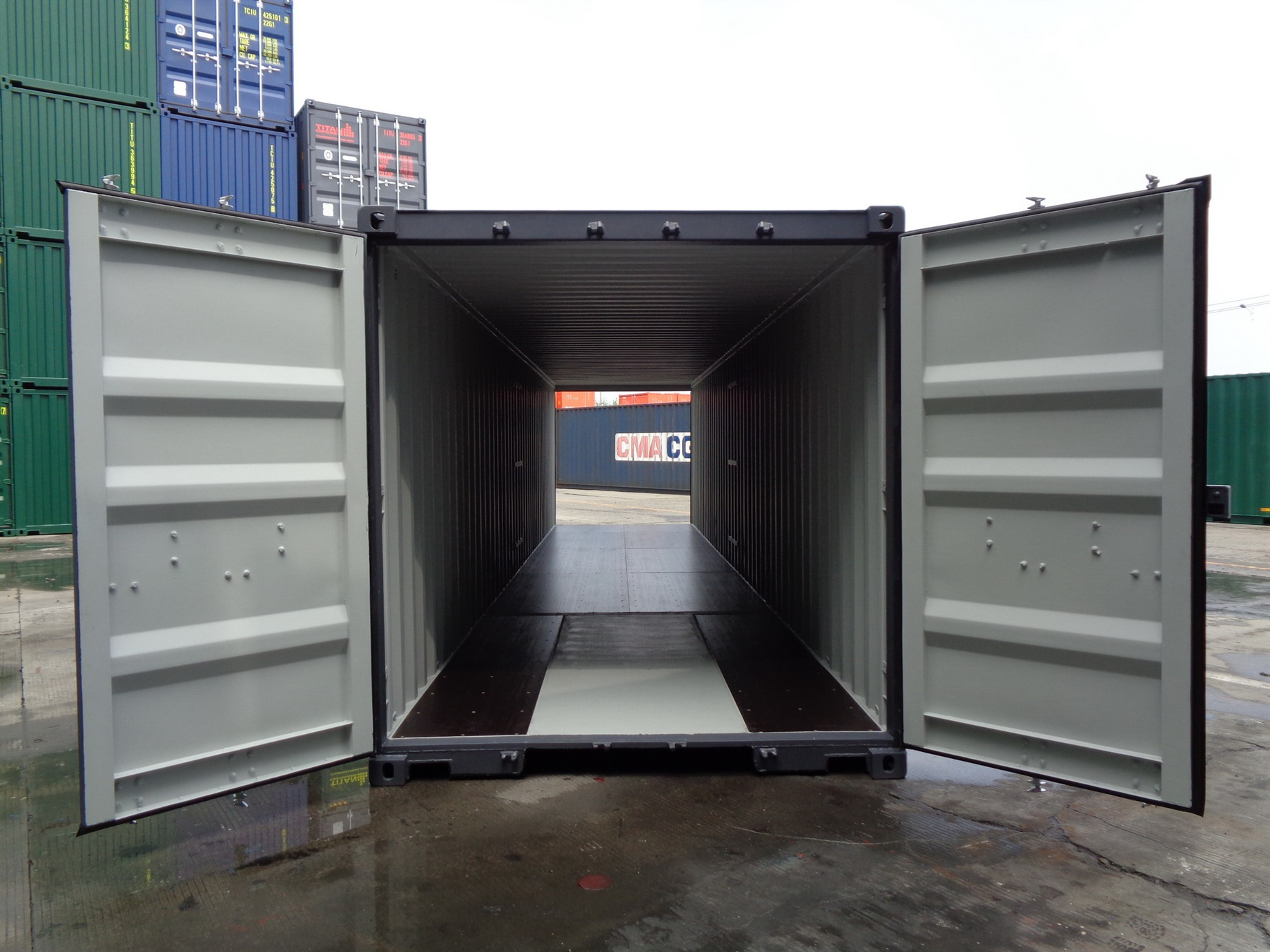 Storage Container with doors on each end open doors 40 inside outside