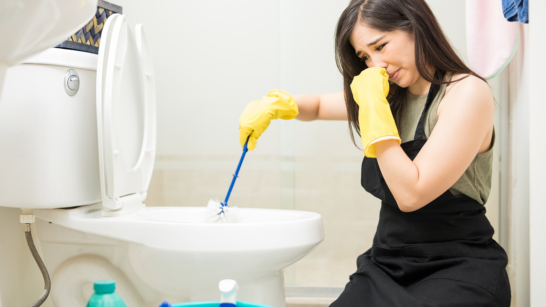 When Is It Time To Call A Plumber For A Clogged Toilet_The Geiler Company