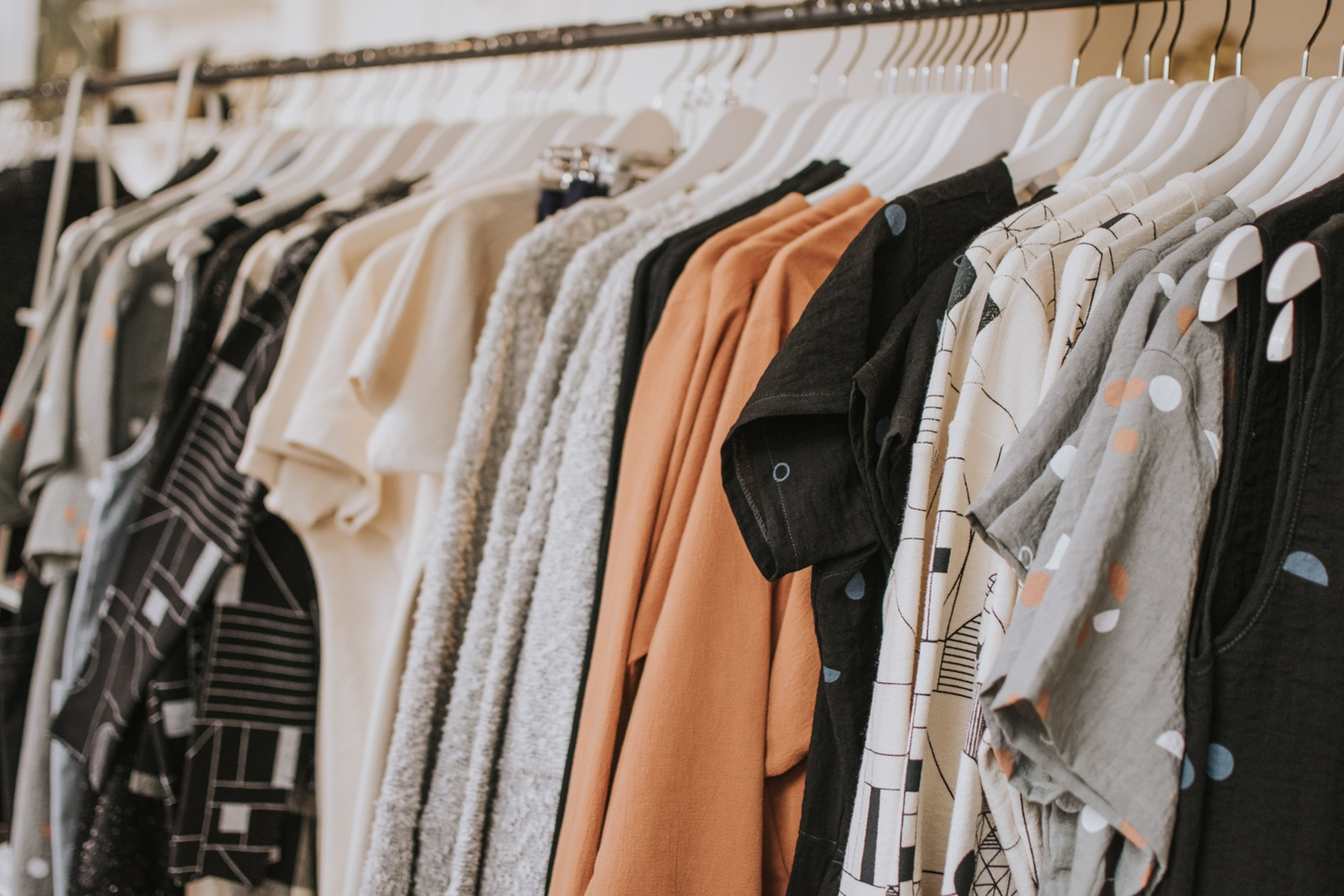 MakersValley Blog: | The secret to Everlane's success: sustainability, transparency, inventory management