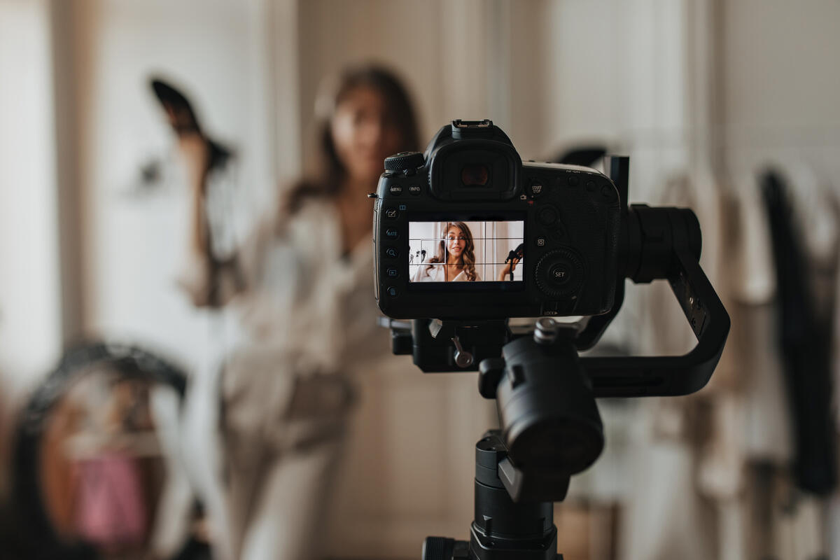 The Best Cameras to Buy for Fashion Photoshoots | MakersValley Blog
