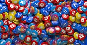 Social Media Logos on Buttons