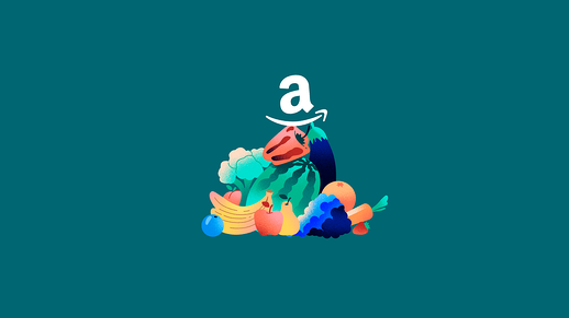 Logo de Amazon Fresh sobre pila de frutas y verduras