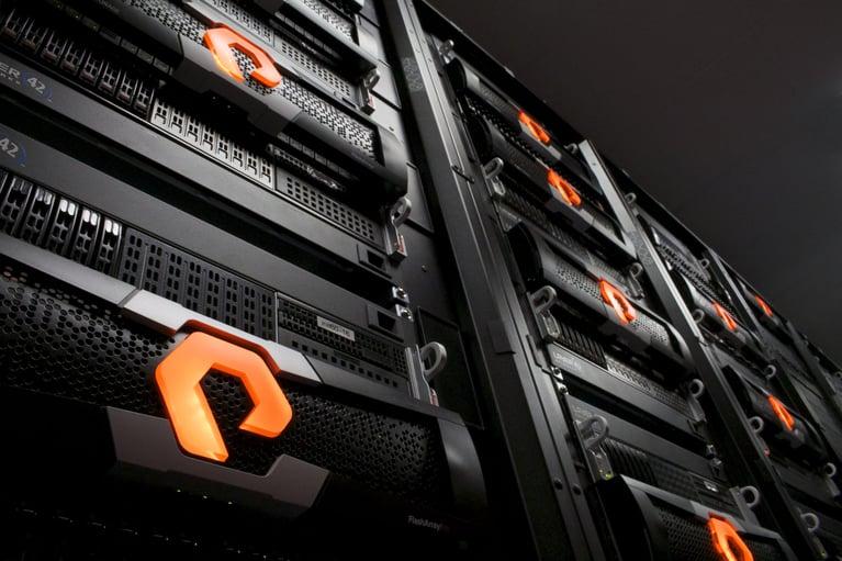 Aktiv/Aktiv-Cluster mit Pure Storage