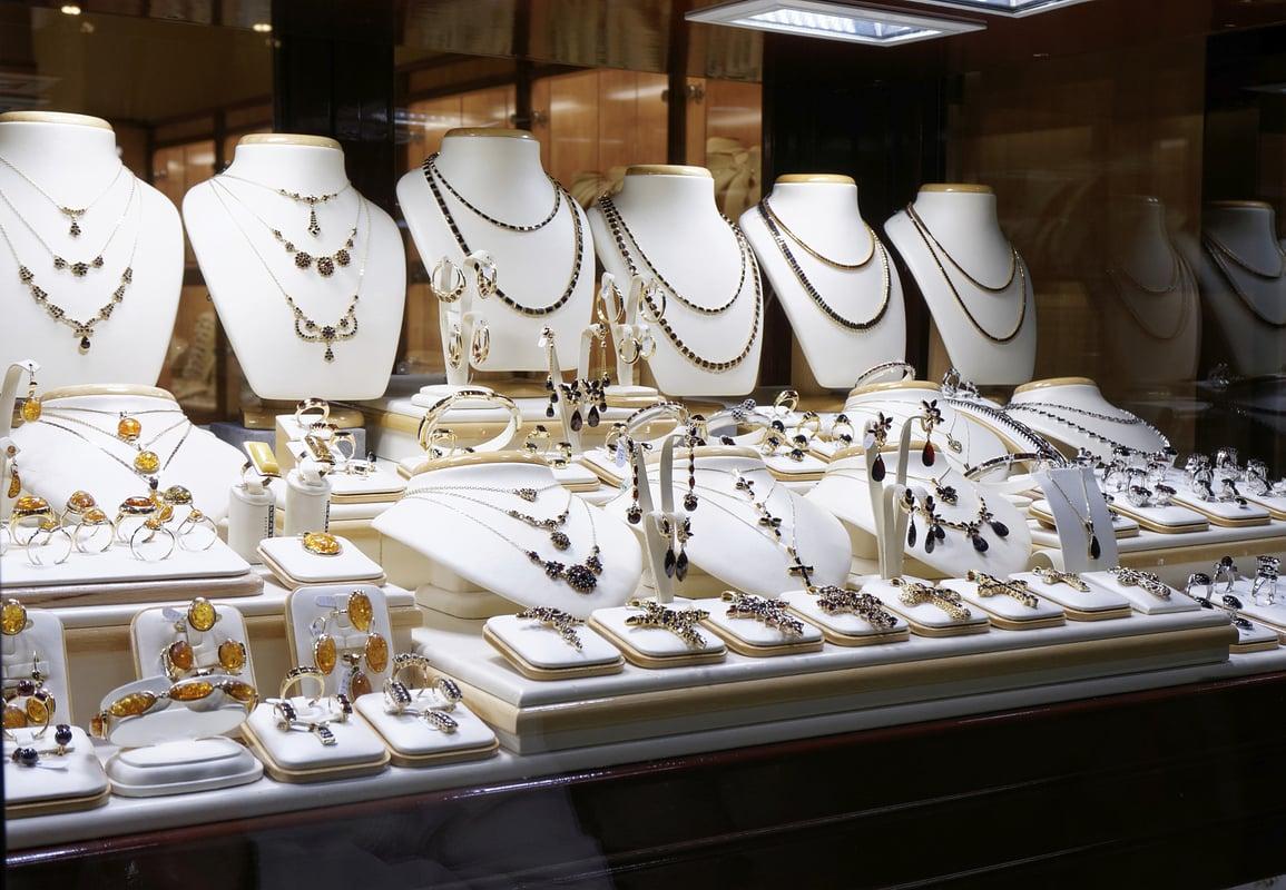 Insider Buying Report: Signet Jewelers Ltd (SIG:US)