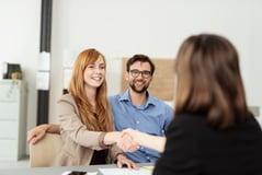 ¿Invierten las mujeres diferente que los hombres? 7 diferencias destacadas