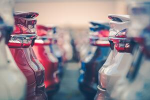 How the HubSpot platform can benefit automotive businesses and car dealerships. HubSpot can help your business grow and improve customer experiences.