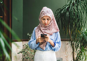 When targeting native Arabic speakers, it's vitally important to have a Arabic website for your business. You'll be able to provide a better experience