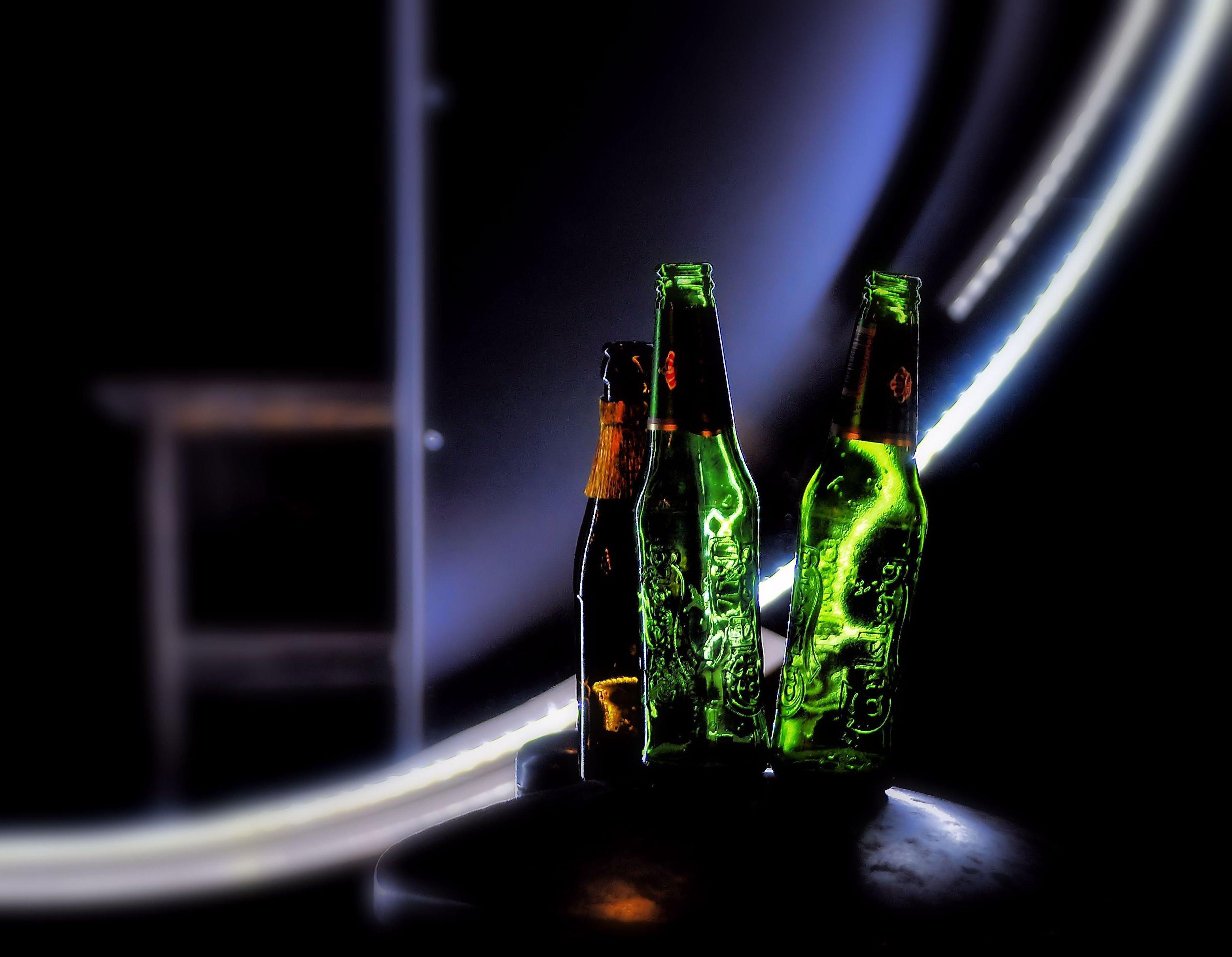 carlsberg-case-bottles