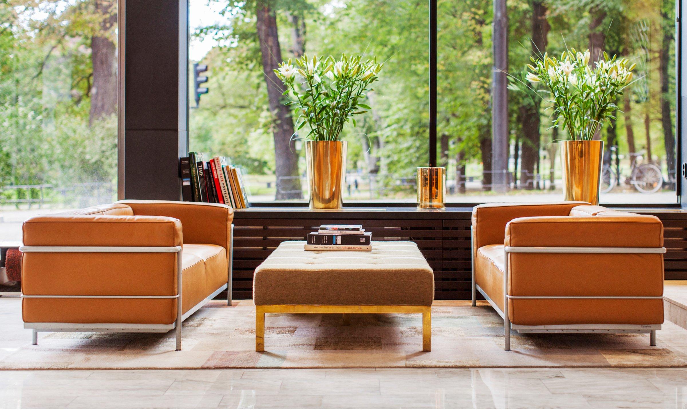elite-hotel-case-sofas