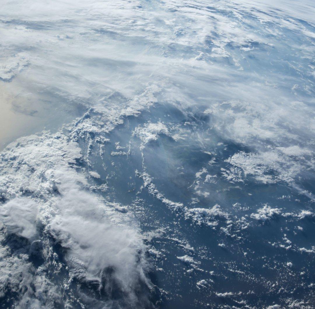 tele2-case-clouds