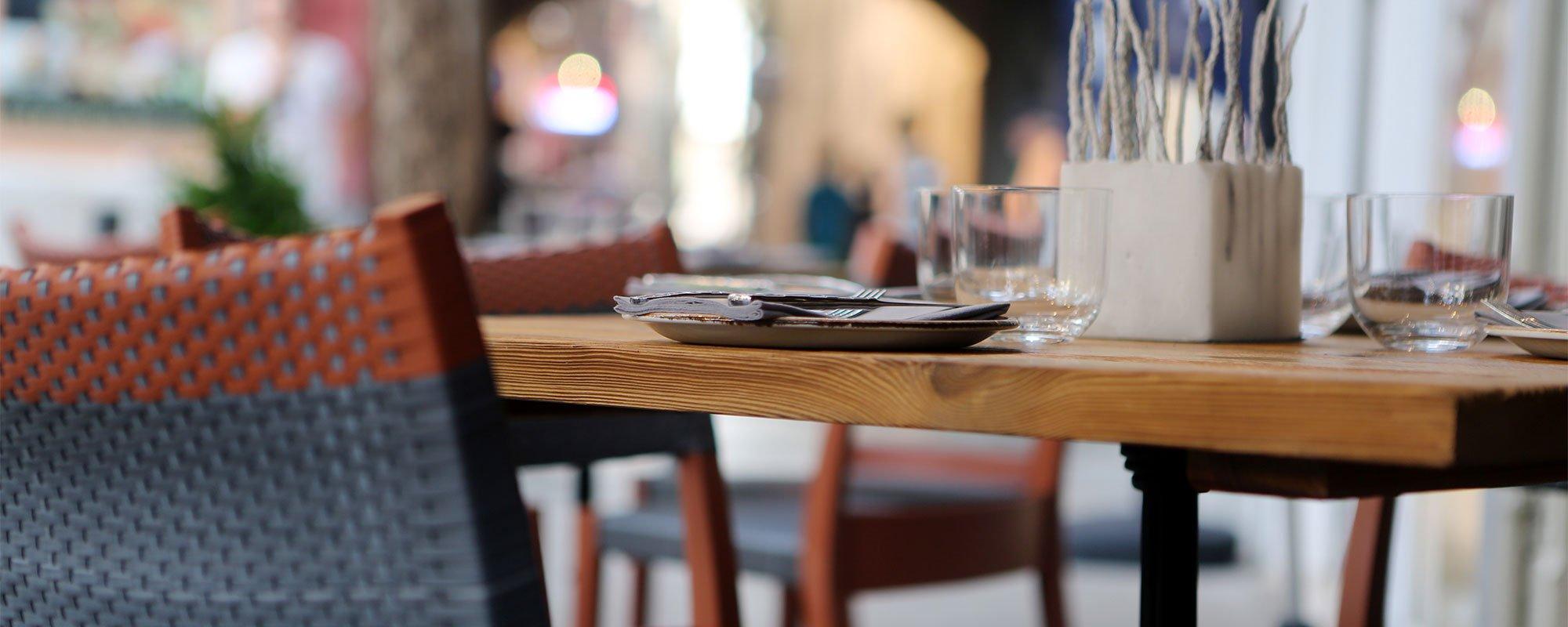 restaurant-table-main