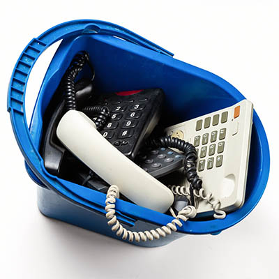 4 Reasons to Get Rid of Your Landline Telephone