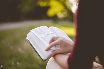 Wat je móet weten wanneer je zelf een boek uitgeeft