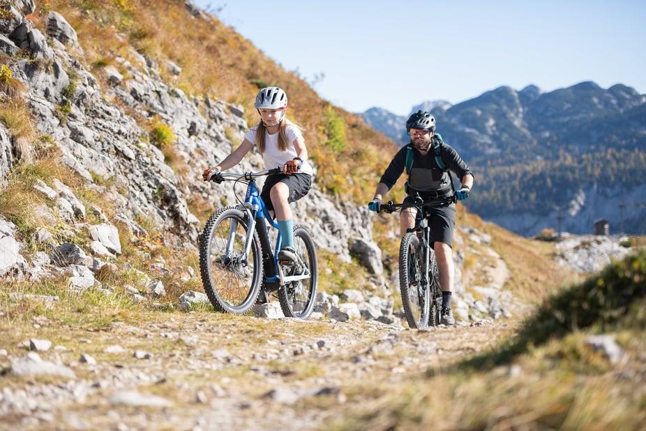 E-Mountainbike offroad im Einsatz