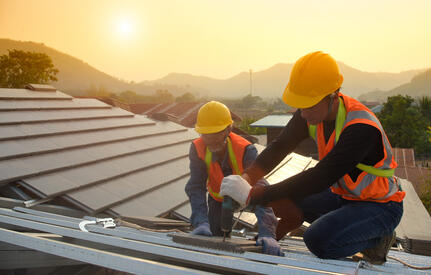 Safety Tips for Roofers Under Various Conditions