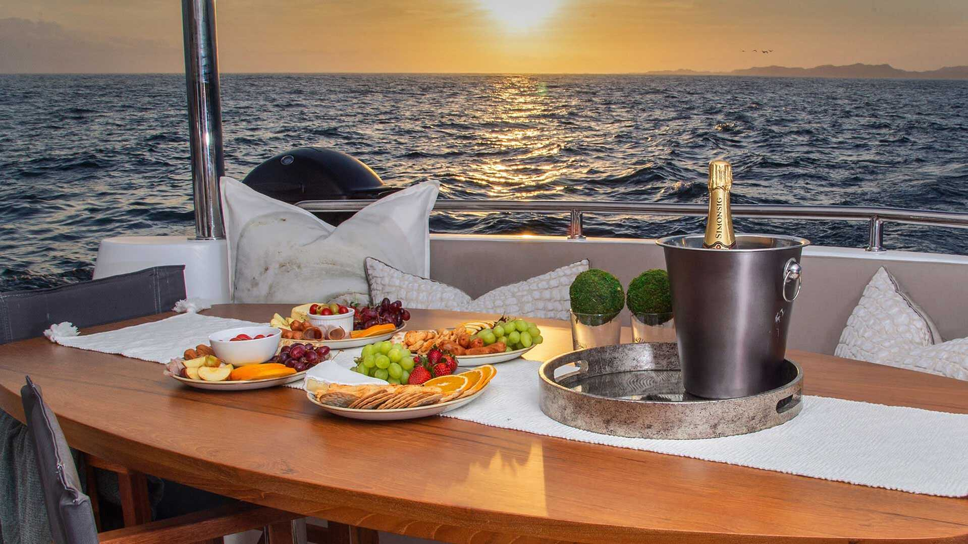 6 TOP Tips For Cooking While Cruising | KYC