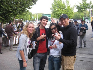 teaching english in korea friends