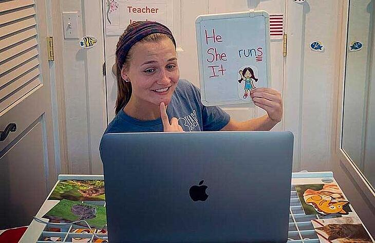 Teaching English Online from the USA: Q&A with Jocelyn Hellested