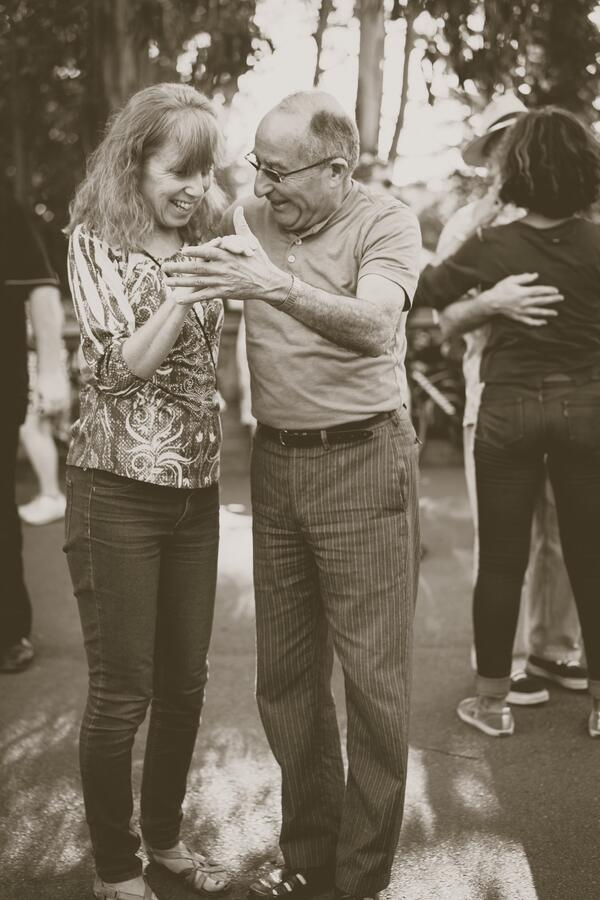 Neuropathy-pain-free-elderly-couple-dancing