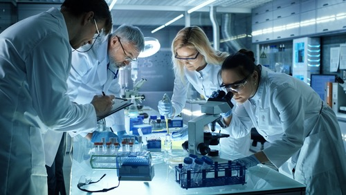 5 Tips for Better Team Management in the Lab
