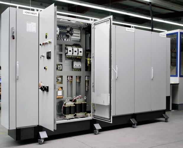 制御盤・分電盤の電気制御機器市場におけるキャビネット(筐体)とその種類