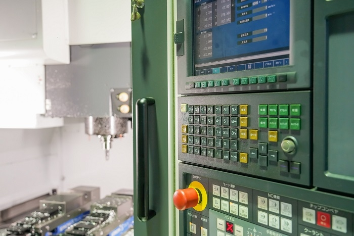 制御盤設計において知っておくべき充電部と非充電部の感電保護