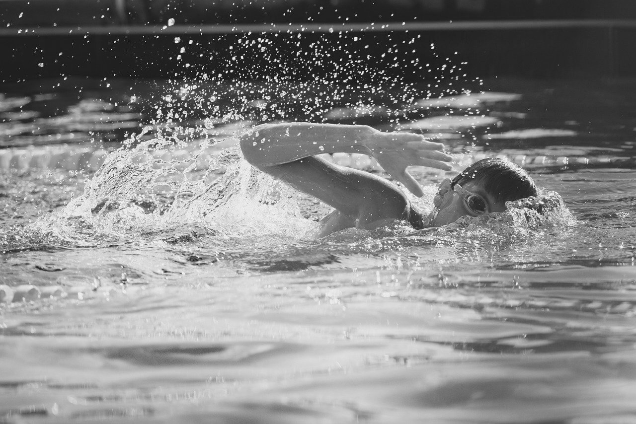 swimming-boy-bw