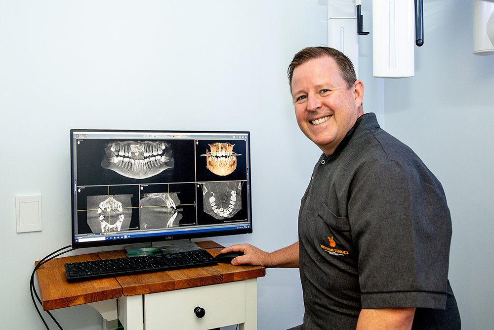 The story of an actual patient who experienced a painful dental emergency – and how Dr Andrew Teakle and the Wickham Terrace Dental team were able to help.