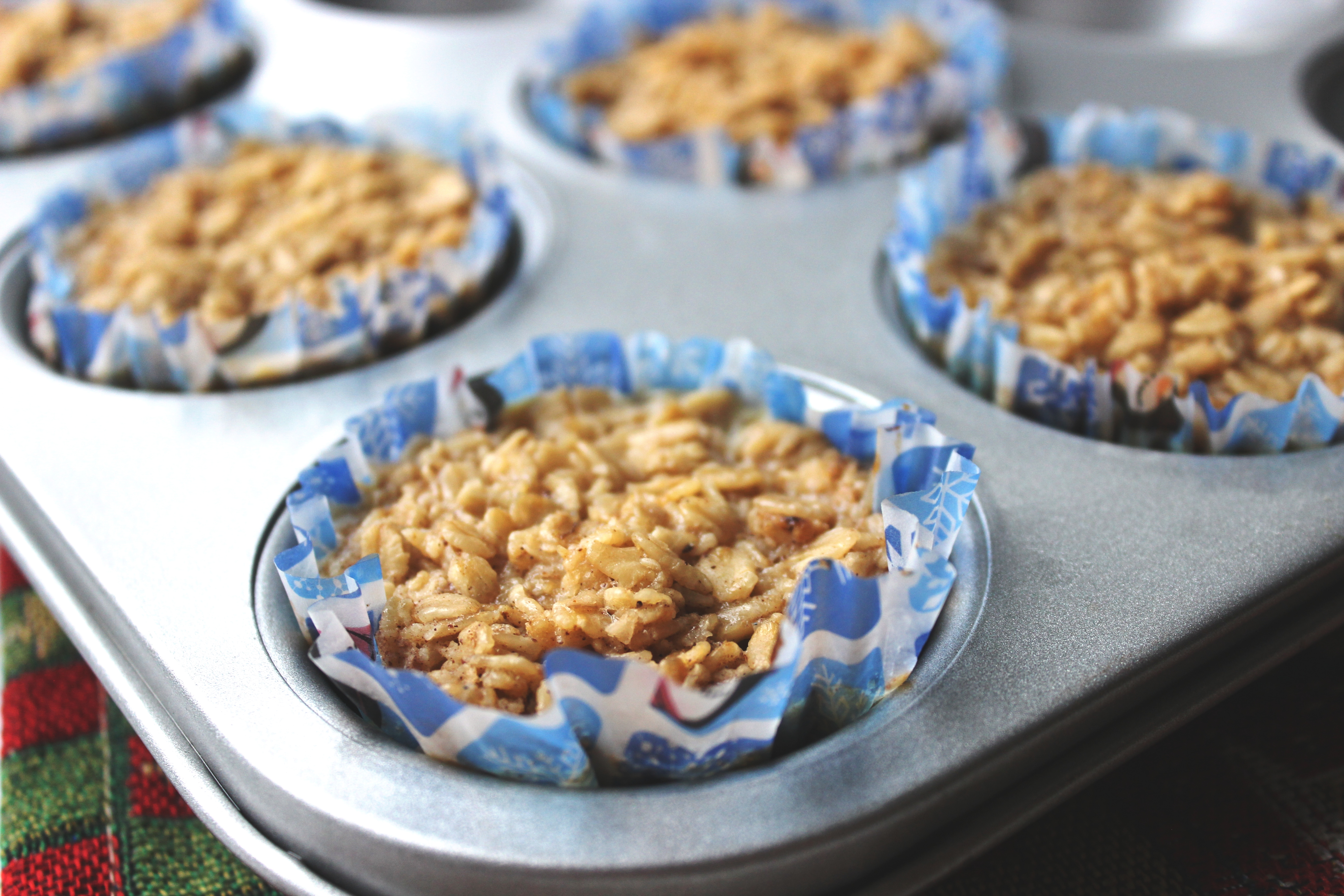 Maple Gingerbread Oatmeal Cups