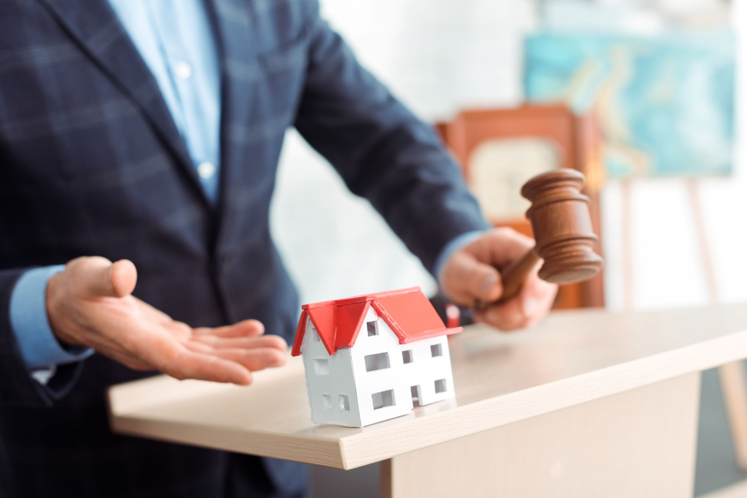 A guide to buying a house at auction
